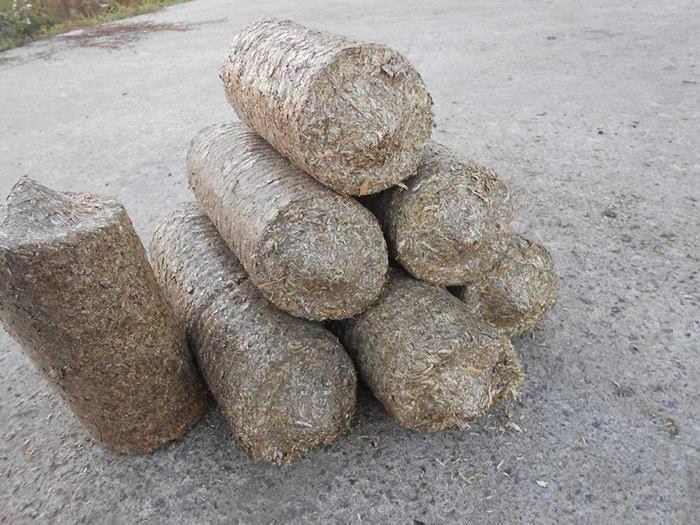 В процессе отопления парниковых сооружений печами длительного горения очень часто используются топливные брикеты