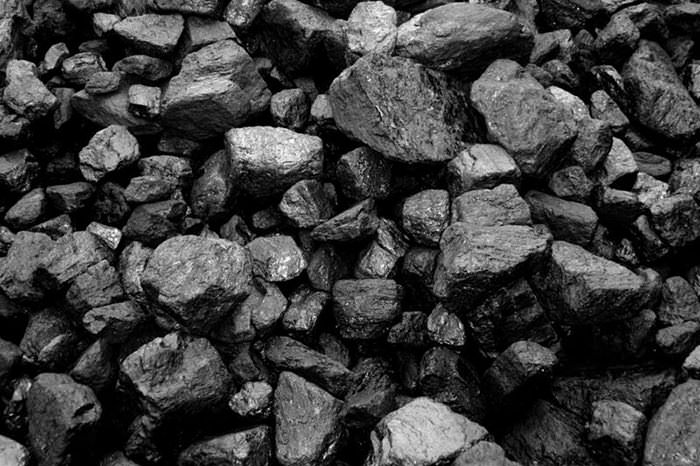 Для качественного отопления теплицы печью длительного горения допускается использовать уголь