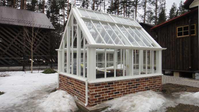 Тепличные конструкции на основе каркаса из алюминия должны быть смонтированы на бетонном фундаментном основании