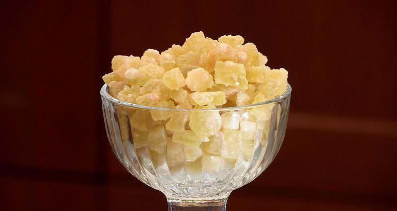 Цукаты из корок арбузов можно есть как отдельный продукт, так и добавлять к кашам, творогу и кондитерским изделиям