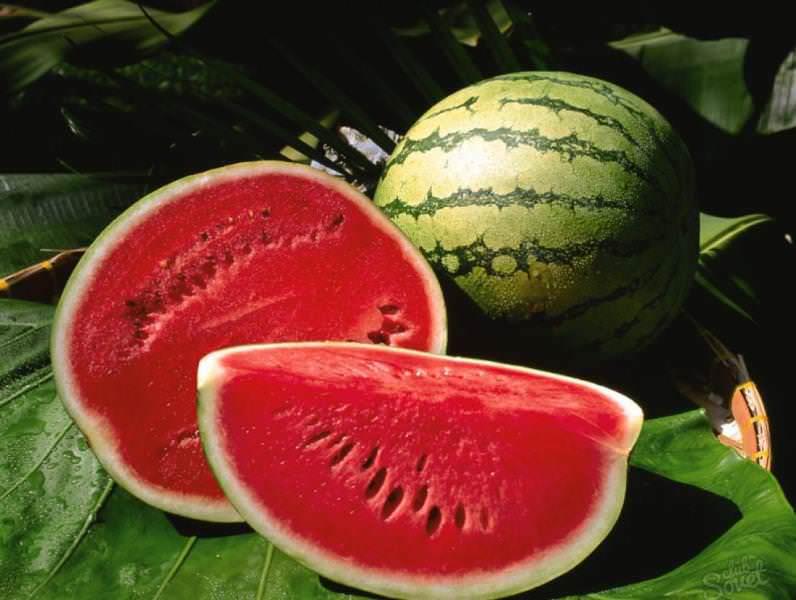 Крупная ягода является источником множества полезных веществ