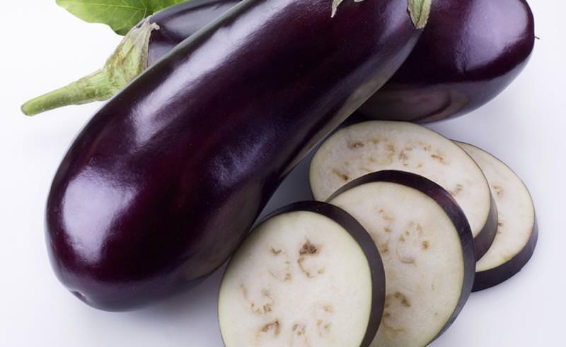 Баклажаны богаты клетчаткой, пектином, витаминами и микроэлементами, которые необходимы для нормальной жизнедеятельности человека