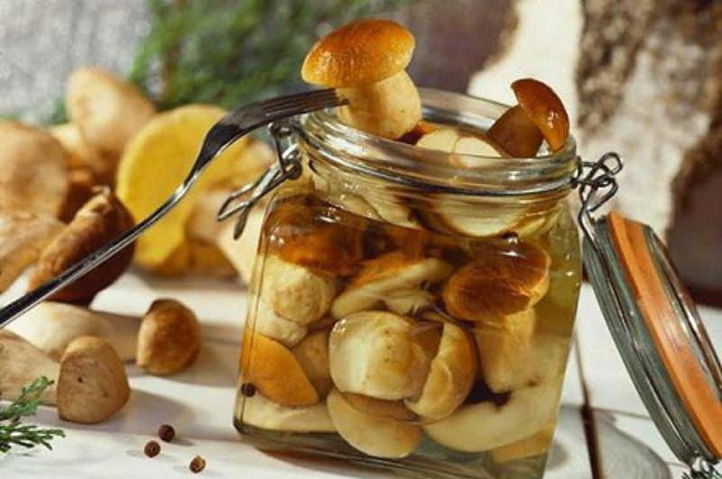 Консервация позволяет надолго сохранить вкус и мякоть белых грибов