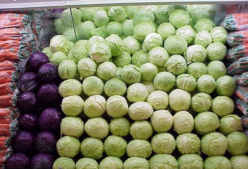 От того, как правильно хранить капусту, зависит то, сколько останется в ней полезных веществ