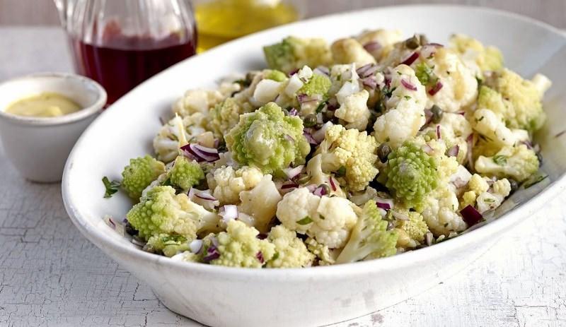 Романеско богата витаминами А и С, фолиевой кислотой и важными минералами, количество которых значительно выше, чем в обычных брокколи и цветной капусте