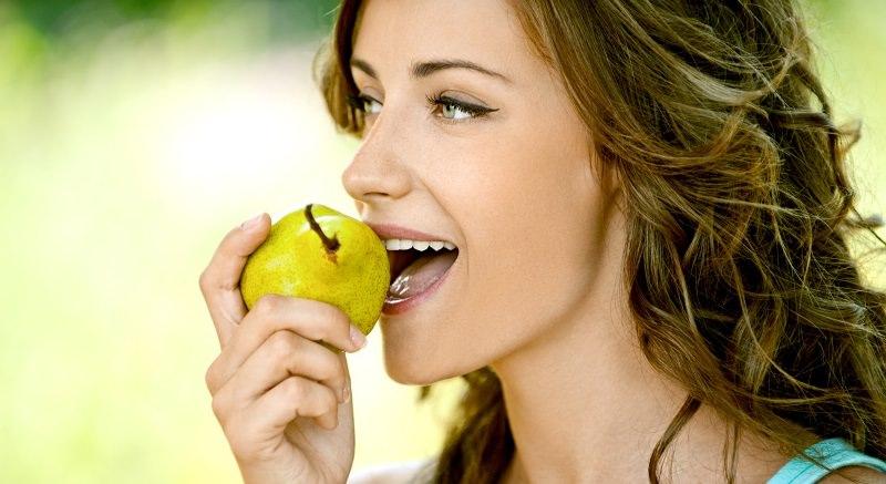 Употребление груш помогает организму наладить бесперебойную работу