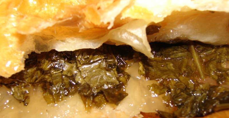 Сладкие пирожки со щавелем — это вкусное лакомство, которое никого не оставит равнодушным