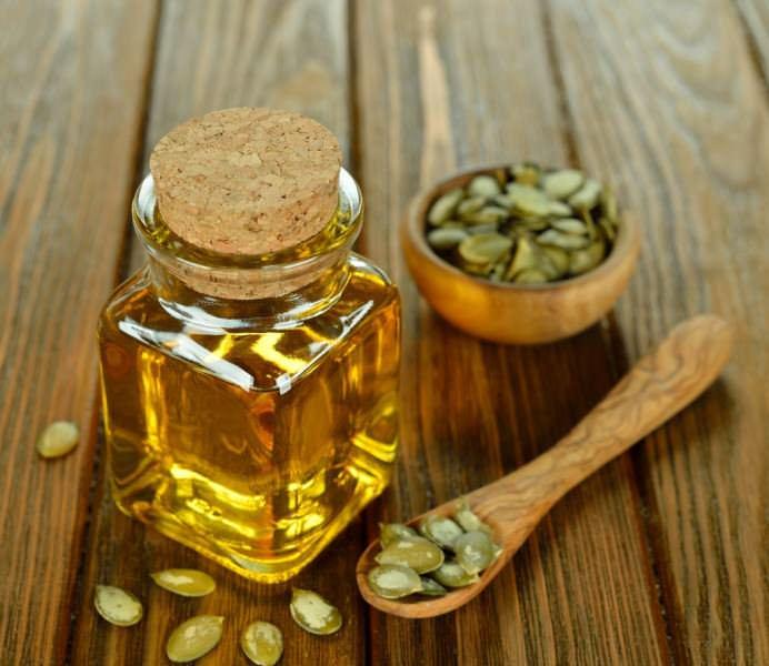 Из семян этого овоща изготавливают тыквенное масло, которое по отзывам дает почти 100% эффект при изгнании из организма паразитов