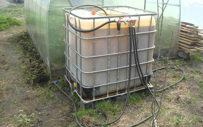 Наиболее часто для подачи воды используется электрический тип насосов, которые пригодны для работы в ёмкостях с большим объёмом