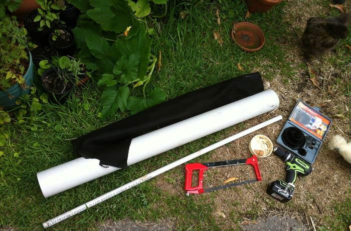 Любую разновидность грядки для клубники легко выполнить своими руками. Для этого понадобится простой инструмент и материал для самой конструкции