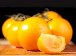 Желтые томаты встречаются не так часто, как красные
