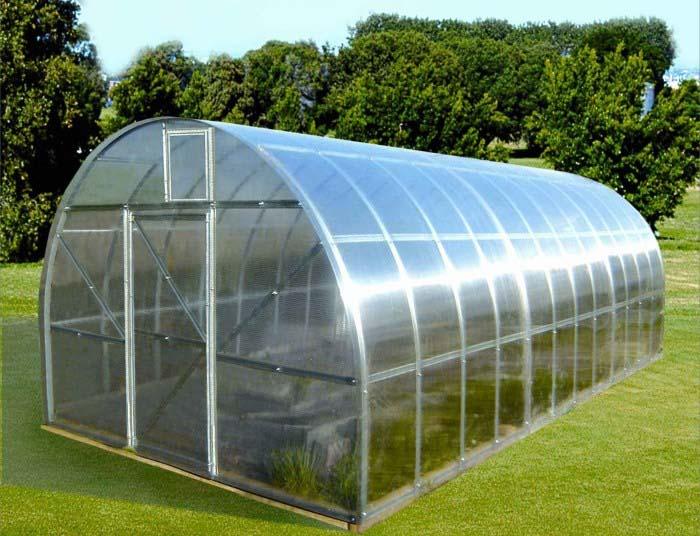 Для того чтобы поддерживать комфортную температуру в теплице, необходимо использовать конструкцию оптимального размера