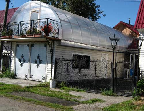 Строение для выращивания овощей прекрасно будет чувствовать себя на крыше гаража или дома