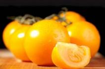 Желтые помидоры в теплице: сортовое разнообразие и особенности ухода