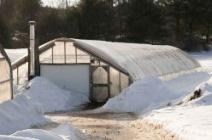Варианты зимних теплиц и особенности их грамотного обустройства