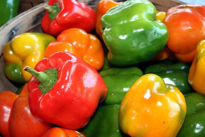 Существует порядка ста сортов болгарского перца