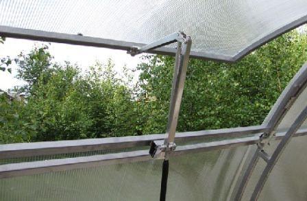 Правильно изготовленный своими руками гидроавтомат открывания форточек в теплице избавит вас от волнений за урожай и обеспечит оптимальный температурный режим для его созревания