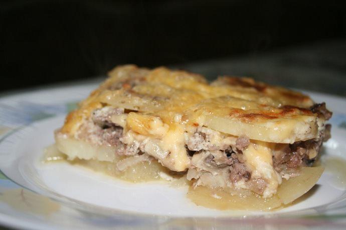 Готовить различные блюда и делать заготовки на зиму можно только из молодых дождевиков с белоснежной мякотью