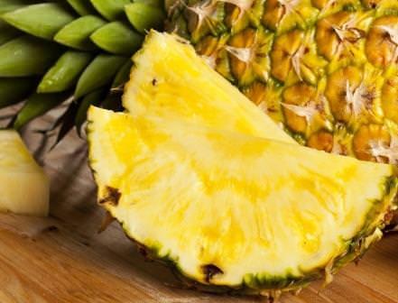 Не каждый любитель вкусных и сочных экзотических фруктов знает, как растет ананас
