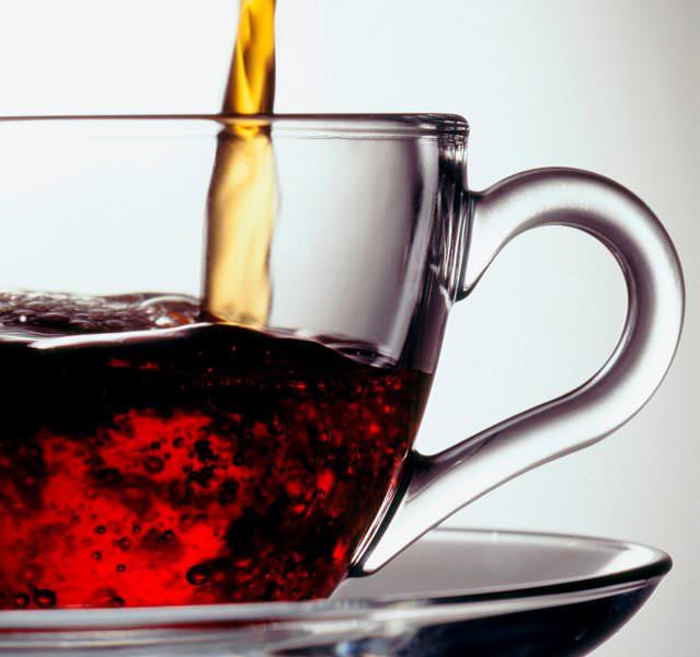 Листву пеларгоний можно добавлять в охлажденный чай