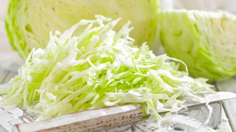 Такая капуста пригодна не только для употребления в свежем виде, но и для засолки и сервировки блюд