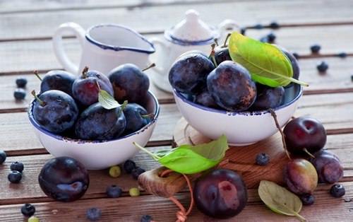 Сладкая слива традиционно используется для приготовления различных блюд