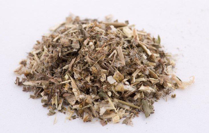 Флавоноиды и эфирные масла, содержащиеся в продуктах из травы золотарника, оказывают сильное мочегонное действие