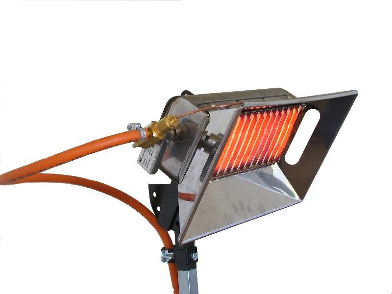 Инфракрасный газовый обогреватель применяется в виде вспомогательного источника нагрева или функционирует на постоянной основе вместо системы отопления