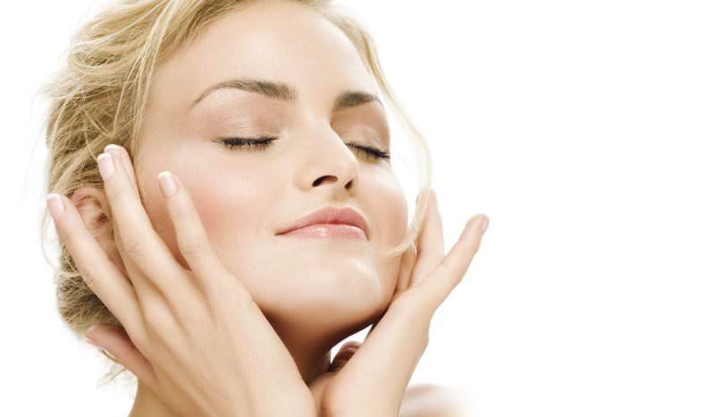 Редиска поможет улучшить сухую кожу лица, причем потрясающего эффекта можно добиться уже после применения нескольких масок из этого овоща