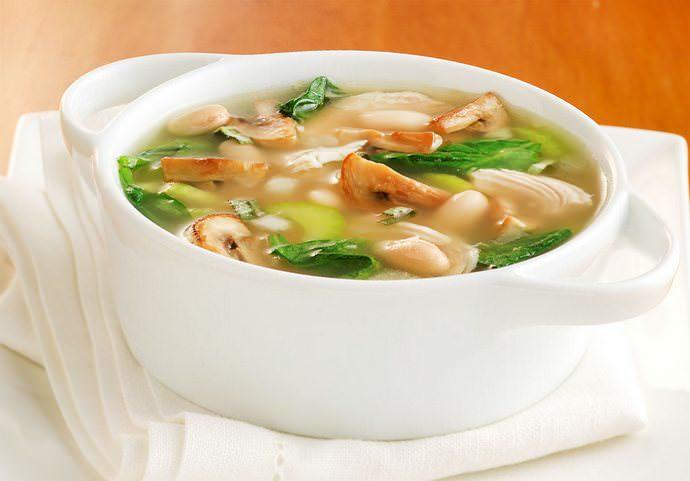Для детей лучше всего сделать суп из боровиков