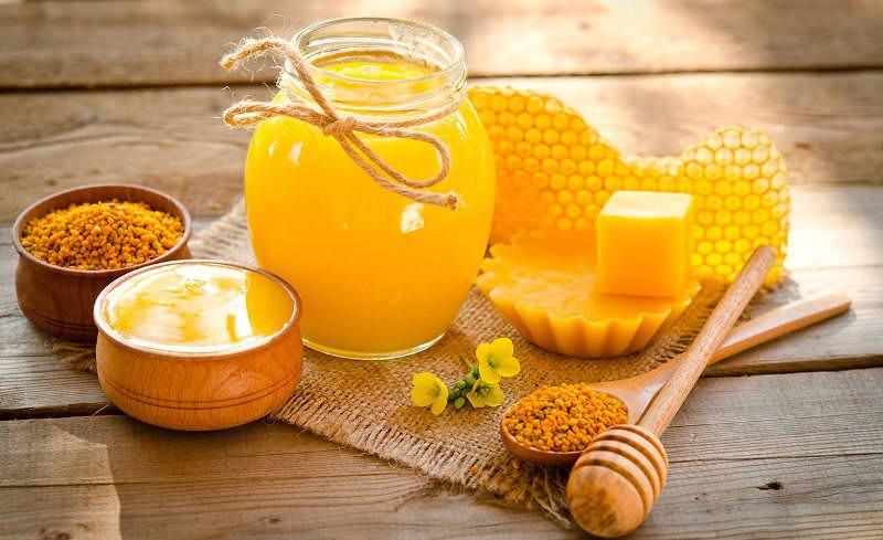 Мед из тыквы – прекрасный заменитель сахара, он лишен всех противопоказаний сладкого продукта