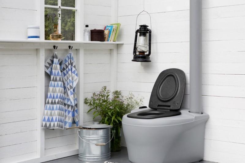 Сельский туалет - это не всегда простой уличный клозет с выгребной ямой