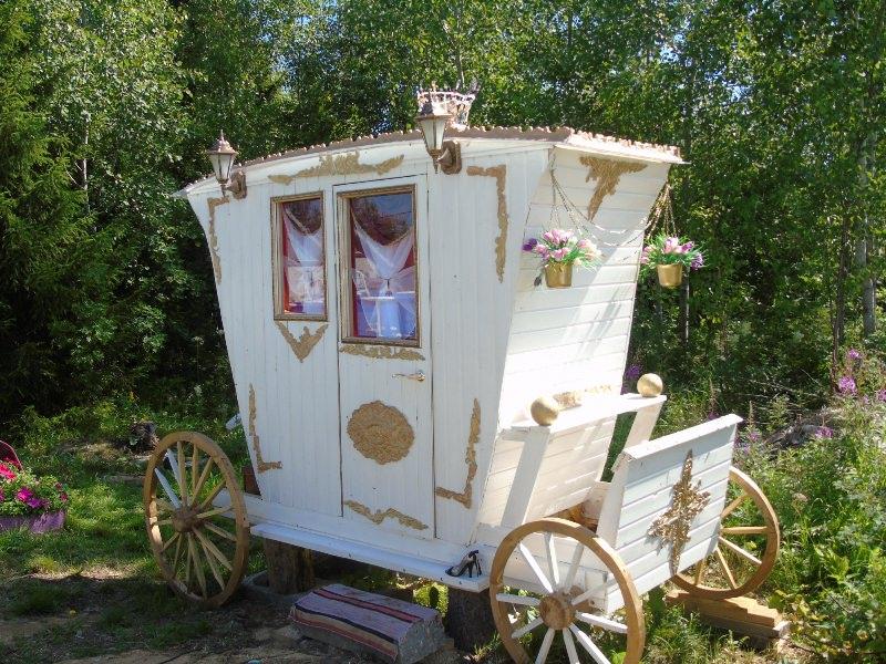 Деревянный туалет своими руками можно построить только при наличии достаточно серьезного чертежа
