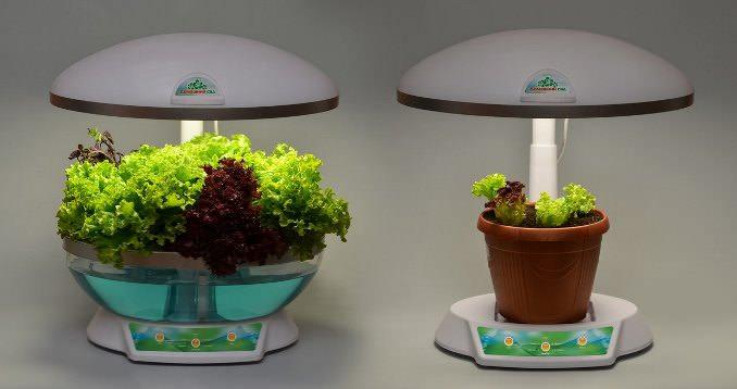 Заводской вариант гидропонной установки популярен в комнатном культивировании зелени