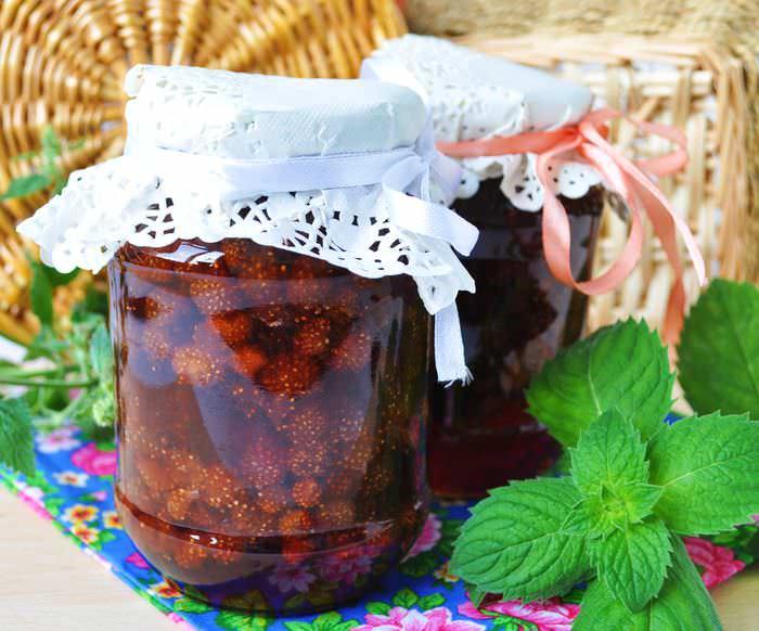Собранный урожай сорта «Али-Баба» хорошо подходит для приготовления фруктово-ягодных компотов и варенья